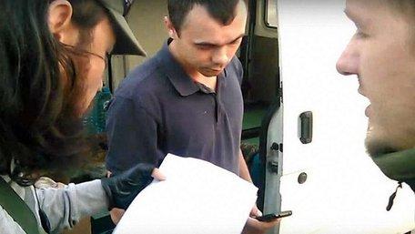 Бійці «Правого сектору» на кордоні з Кримом затримали вантаж броньованого скла