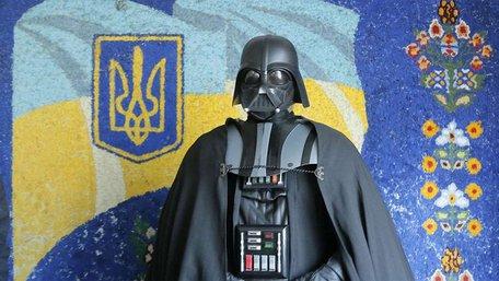 В Одеську міськраду балотуються 44 Дарти Вейдери