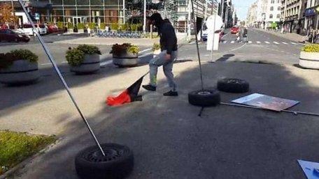 Поліція Риги затримала двох підозрюваних у руйнуванні виставки «Люди Майдану»