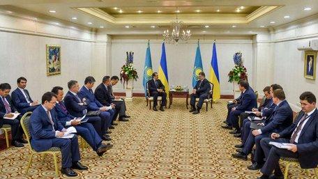 Порошенко сподівається на посилення співпраці з Казахстаном