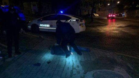 Львів'янина, який погрожував патрульним пістолетом, засудили на умовний термін