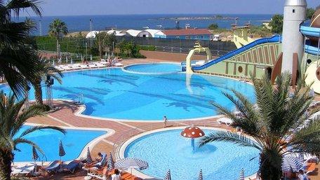 У Туреччині виставили на продаж 1300 готелів