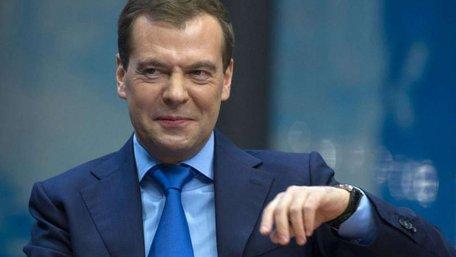 Медведєв переконаний, що Захід сам запропонує скасувати санкції
