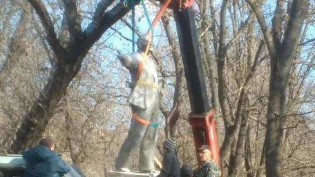 На Одещині демонтували ще один пам'ятник Леніну