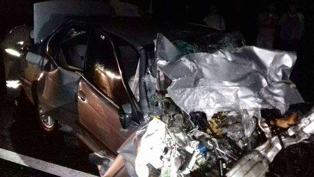 Внаслідок зіткнення з вантажівкою загинув водій BMW