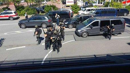 Німецький спецназ штурмував ресторан, у якому забарикадувався озброєний чоловік