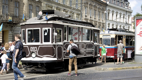 У Львові відбувся парад раритетних трамваїв