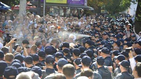 У Кишиневі у День незалежності поліція розганяла мітингувальників сльозогінним газом
