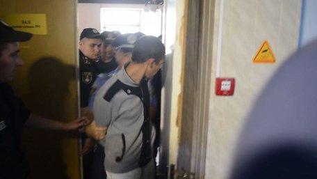 Підозрюваного у жорстокому вбивстві дівчинки на Одещині взяли під варту