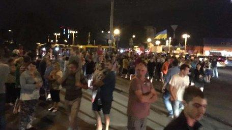 В Києві жителі будинку-боржника протестом домоглися повернення електропостачання