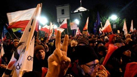 Польська влада звинуватила опозицію у спробі перевороту