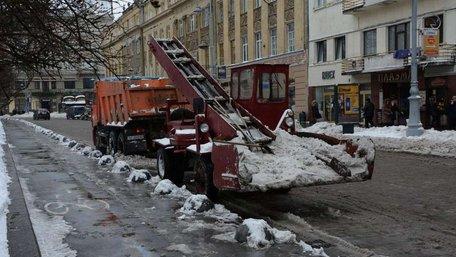 Уночі у місті чергуватиме 76 снігоприбиральних машин
