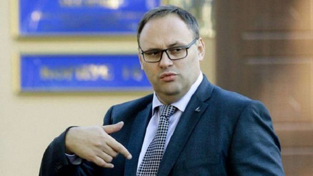 Підозрюваному у розкраданні держкоштів Владиславу Каськіву дозволили виїхати за кордон
