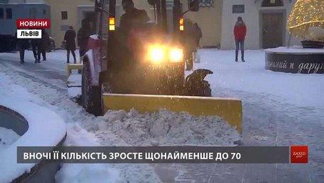 На дорогах загального користування Львівщини працює 36 одиниць снігоприбиральної техніки