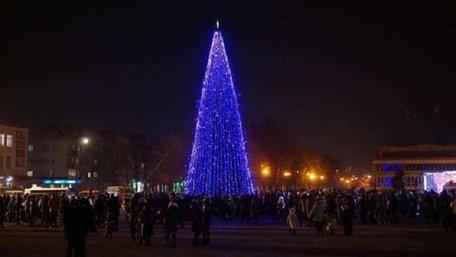 У Червонограді хулігани вкрали гірлянди з міської ялинки