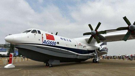 У Китаї найбільший в світі літак-амфібія здійснив перший політ