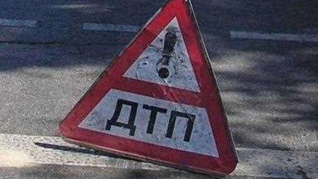 На трасі Київ-Чоп автомобіль смертельно травмував 38-річного пішохода