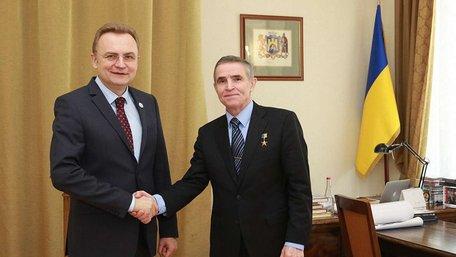 Міський голова Львова зустрівся з астронавтом Леонідом Каденюком