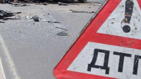 На Львівщині мікроавтобус зіткнувся з легковиком, постраждали семеро осіб
