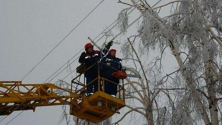 В Україні через негоду 146 населених пунктів досі без світла