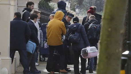 Україна заборонила в'їзд депортованим з Британії російським дипломатам-розвідникам