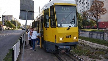 У Львові на маршрути виїхали перші білоруські автобуси і німецькі трамваї