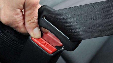 ВРУ в першому читанні підтримала 17-кратне збільшення штрафу через непристебнутий ремінь безпеки