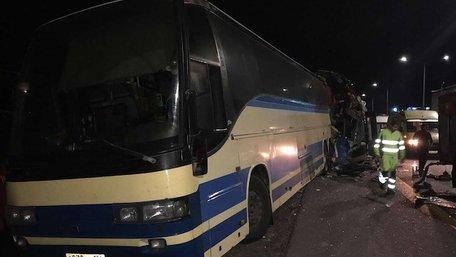 В Росії внаслідок зіткнення двох пасажирських автобусів загинули п'ятеро людей