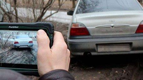 Львівська мерія дозволила інспекторам штрафувати порушників паркування по фото