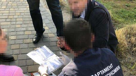 У Львові затримали військовопосадовця, який взяв хабар за ухилення від строкової служби
