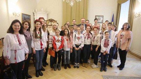 Міський голова Львова зустрівся з дітьми зі сходу країни