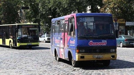 Мерія пропонує підняти вартість проїзду у львівських маршрутках до 8 грн