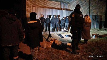 У Львові група молодиків розтрощила салон гральних автоматів. Всіх затримали