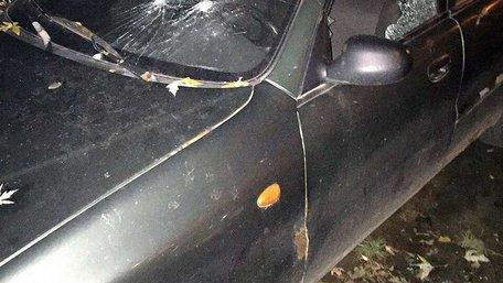 На Сихові нетверезий 41-річний чоловік із пістолета розстріляв припарковані авто сусідів
