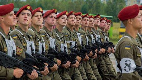 Запровадження воєнного стану в окремих областях підтримала лише третина українців