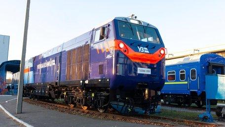 «Укрзалізниця» почала експлуатацію першого локомотива General Electric