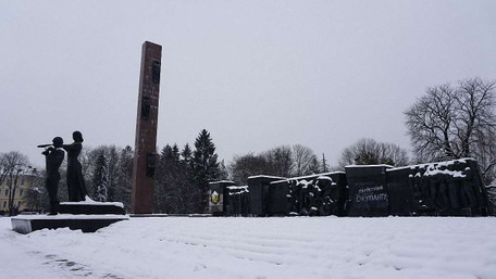 У Львові розпочинають демонтаж 30-метрової стели Монументу слави