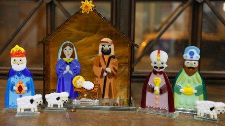 У галереї «Зелена канапа» відкрили традиційну різдвяно-новорічну виставку