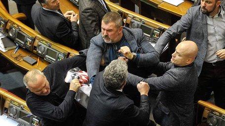 Після голосування за перейменування УПЦ МП у Верховній Раді сталася масова бійка