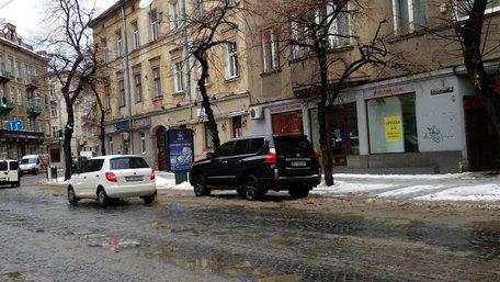 60-річний львівський бізнесмен погрожував зброєю інспекторам з паркування