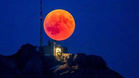 Перше місячне затемнення цього року можна буде побачити 21 січня