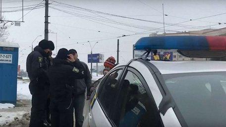Трамвайний контролер намагався оштрафувати львів'янку, що оплатила проїзд карткою