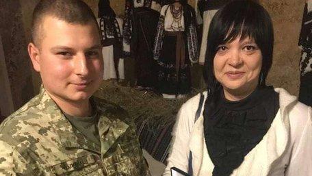 Вдові загиблого в АТО бійця не дали виступити з нагоди Дня Злуки у Львові