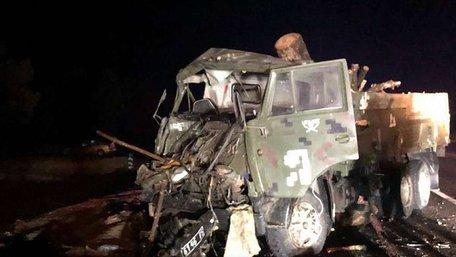 На Херсонщині внаслідок зіткнення армійських вантажівок загинув військовий-контрактник