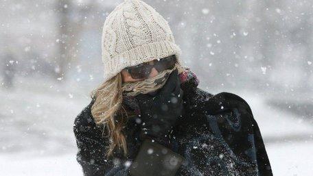 Українців попередили про рясні снігопади та ожеледь на дорогах