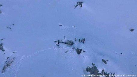 Кількість загиблих в авіакатастрофі в італійських Альпах зросла до семи
