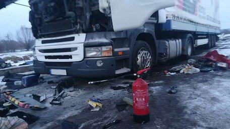 У Краковці біля кордону з Польщею у вантажівці вибухнув газовий балон