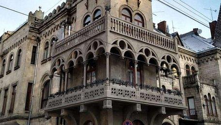 У Львові завершили реставрацію балкону відомого палацу Сосновського