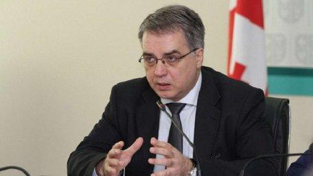 Голова МОЗ Грузії врятував пасажирку рейсу Женева-Стамбул