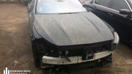 Слідчі ДБР викрили на Львівській митниці незаконну схему ввезення елітних авто без розмитнення